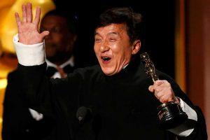 Jackie Chan gana al fin un premio OSCAR