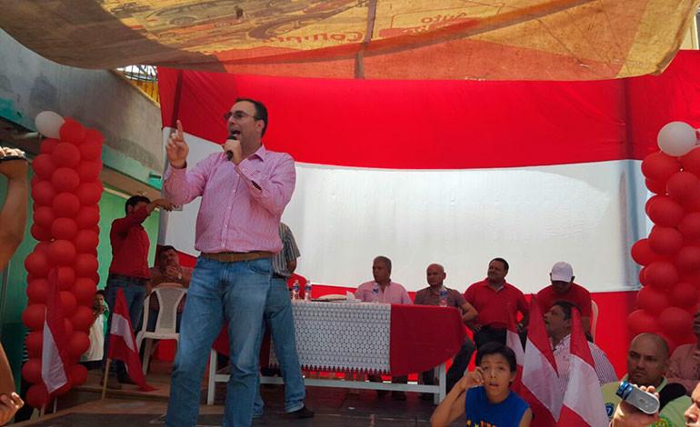 Movimiento de Luis Zelaya ya alcanza mínimo de firmas para ser inscrito