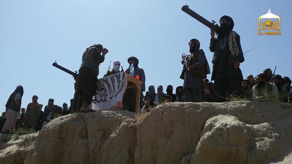 Atacante suicida talibán mata a 4 estadounidenses en base aérea de OTAN en Afganistán