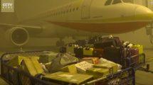 20,000 personas quedan varadas en aeropuerto chino por el esmog