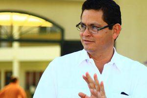 DESESPERADO: Marlon Escoto querella a ciudadano que vive en los Estados Unidos